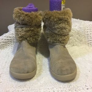 TOMS Nepal style faux fur trim suede boot zip side